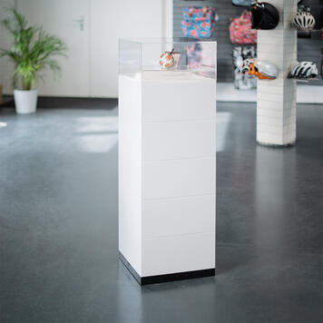 EasyCubes Plinth Showcases